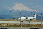 rjnsphotoclub-No.07さんが、静岡空港で撮影した日本個人所有 58 Baronの航空フォト(飛行機 写真・画像)