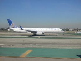 TUILANYAKSUさんが、ロサンゼルス国際空港で撮影したユナイテッド航空 757-224の航空フォト(飛行機 写真・画像)