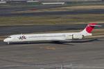Scotchさんが、羽田空港で撮影した日本航空 MD-90-30の航空フォト(飛行機 写真・画像)