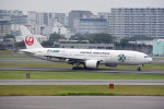 kumagorouさんが、伊丹空港で撮影した日本航空 777-246の航空フォト(飛行機 写真・画像)