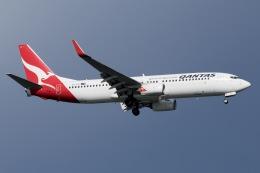 soranchuさんが、シンガポール・チャンギ国際空港で撮影したカンタス航空 737-838の航空フォト(飛行機 写真・画像)