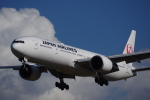 JA8037さんが、成田国際空港で撮影した日本航空 777-346/ERの航空フォト(写真)