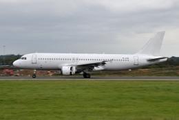 IL-18さんが、ロンドン・ルートン空港で撮影したスマートリンクス A320-211の航空フォト(飛行機 写真・画像)
