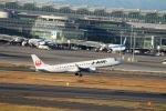 日本武尊さんが、羽田空港で撮影したジェイ・エア ERJ-190-100(ERJ-190STD)の航空フォト(写真)