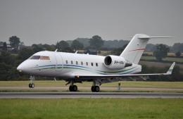 IL-18さんが、ロンドン・ルートン空港で撮影したFlexflight (Denmark) CL-600-2B16 Challenger 604の航空フォト(飛行機 写真・画像)