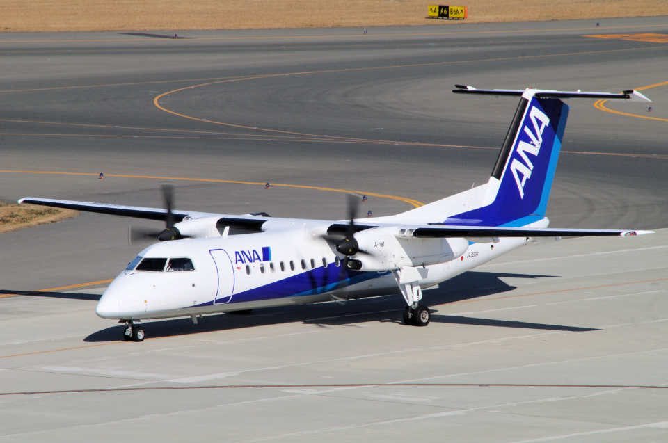 yabyanさんのエアーニッポンネットワーク Bombardier DHC-8-300 (JA803K) 航空フォト