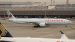 OMAさんが、羽田空港で撮影したエア・カナダ 777-333/ERの航空フォト(飛行機 写真・画像)