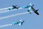"""Echo-Kiloさんが、ブレイ・アイルランド / Bray, Irelandで撮影した2 Excel Aviation """"The Blades Aerobatic Team"""" EA-300Lの航空フォト(写真)"""