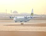 cornicheさんが、キング・ハーリド国際空港で撮影したリンデン・エアカーゴ L-100-30 Herculesの航空フォト(飛行機 写真・画像)