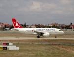 cornicheさんが、アタテュルク国際空港で撮影したターキッシュ・エアラインズ A319-132の航空フォト(写真)