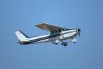 てくてぃーさんが、松山空港で撮影した日本法人所有 172P Skyhawk IIの航空フォト(飛行機 写真・画像)