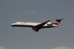 uhfxさんが、伊丹空港で撮影したアイベックスエアラインズ CL-600-2C10 Regional Jet CRJ-702ERの航空フォト(飛行機 写真・画像)