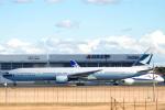 なまくら はげるさんが、成田国際空港で撮影したキャセイパシフィック航空 777-367の航空フォト(写真)