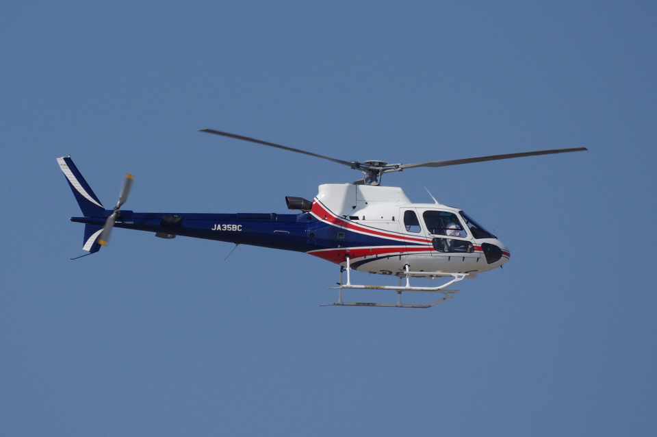 yabyanさんのノエビア Eurocopter AS350 Ecureuil/AStar (JA35BC) 航空フォト