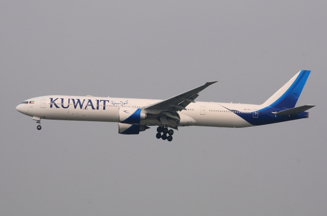クウェート航空 Boeing 777-300 ...