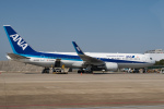 delawakaさんが、上海浦東国際空港で撮影した全日空 767-381/ERの航空フォト(写真)