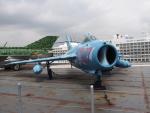 F-104J 栄光さんが、ニューアーク・リバティー国際空港で撮影した不明 MiG-17の航空フォト(写真)