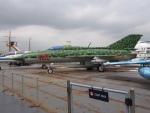 航空研究家さんが、ニューアーク・リバティー国際空港で撮影した不明 MiG-21の航空フォト(写真)
