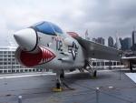 F-104J 栄光さんが、ニューアーク・リバティー国際空港で撮影したアメリカ海軍 F-8 Crusaderの航空フォト(写真)