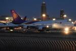 Timothy✈︎NRTさんが、成田国際空港で撮影したタイ国際航空 747-4D7の航空フォト(写真)