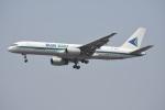 Kilo Indiaさんが、チャトラパティー・シヴァージー国際空港で撮影したブルー・ダート・アビエーション 757-25C(SF)の航空フォト(写真)