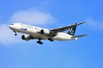 hidetsuguさんが、新千歳空港で撮影した全日空 777-281の航空フォト(写真)