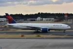 よしポンさんが、成田国際空港で撮影したデルタ航空 777-232/LRの航空フォト(写真)