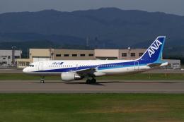 marariaさんが、青森空港で撮影した全日空 A320-214の航空フォト(飛行機 写真・画像)