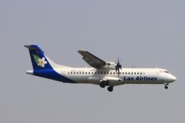 ぱなくろさんが、ワットタイ国際空港で撮影したラオス国営航空 ATR 72-500 (72-212A)の航空フォト(飛行機 写真・画像)