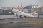 AntonioKさんが、羽田空港で撮影した日本航空 777-246の航空フォト(写真)