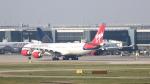 誘喜さんが、ロンドン・ヒースロー空港で撮影したヴァージン・アトランティック航空 A340-642の航空フォト(写真)