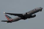 木人さんが、成田国際空港で撮影したアメリカン航空 777-223/ERの航空フォト(写真)