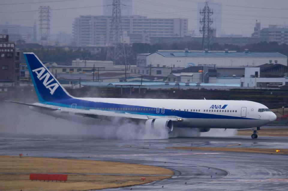 xxxxxzさんの全日空 Boeing 767-300 (JA8288) 航空フォト