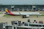 uhfxさんが、仁川国際空港で撮影したアシアナ航空 A321-231の航空フォト(飛行機 写真・画像)