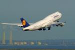 tkosadaさんが、羽田空港で撮影したルフトハンザドイツ航空 747-830の航空フォト(写真)