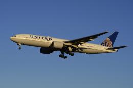 地主さんが、成田国際空港で撮影したユナイテッド航空 777-222/ERの航空フォト(写真)