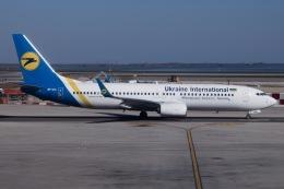 soranchuさんが、ヴェネツィア マルコ・ポーロ国際空港で撮影したウクライナ国際航空 737-8KVの航空フォト(飛行機 写真・画像)