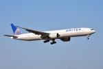 mojioさんが、成田国際空港で撮影したユナイテッド航空 777-322/ERの航空フォト(写真)