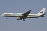 masa707さんが、インディラ・ガンディー国際空港で撮影したブルー・ダート・アビエーション 757-204(PCF)の航空フォト(写真)