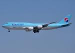 じーく。さんが、成田国際空港で撮影した大韓航空 747-8B5の航空フォト(飛行機 写真・画像)