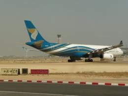 ja8101kyさんが、マスカット国際空港で撮影したオマーン航空 A330-343Xの航空フォト(飛行機 写真・画像)