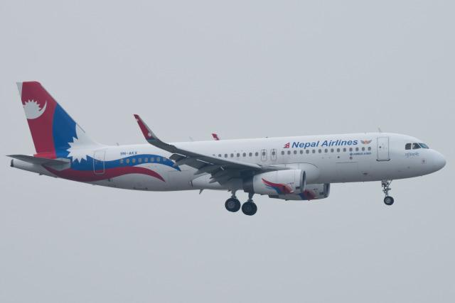 しぃさんが、香港国際空港で撮影したネパール航空 A320-233の航空フォト(飛行機 写真・画像)