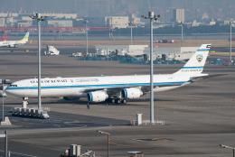 しぃさんが、羽田空港で撮影したクウェート政府 A340-542の航空フォト(飛行機 写真・画像)