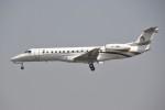 masa707さんが、チャトラパティー・シヴァージー国際空港で撮影したリライアンス・インダストリーズ ERJ-135ERの航空フォト(写真)