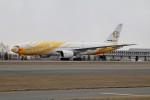 北の熊さんが、新千歳空港で撮影したノックスクート 777-212/ERの航空フォト(写真)