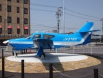 SK-51Aさんが、名古屋飛行場で撮影した日本法人所有 Commander 112の航空フォト(写真)