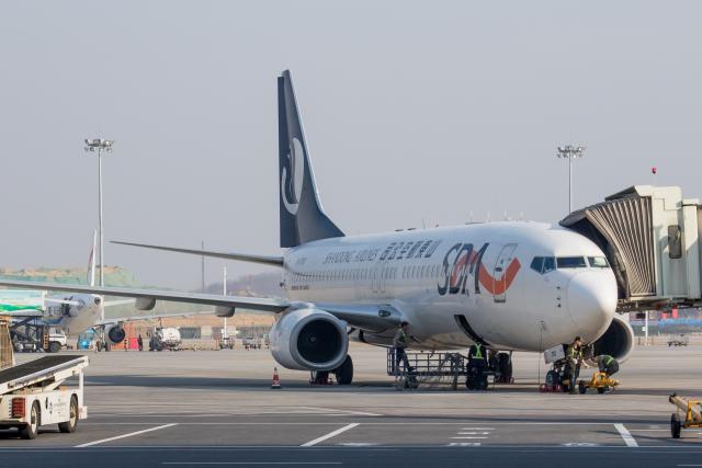 山東航空 Boeing 737-800 B-5783...