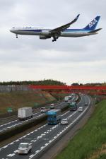 トリトンブルーSHIROさんが、成田国際空港で撮影した全日空 767-381/ERの航空フォト(写真)