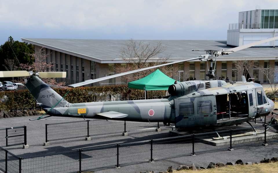 チャーリーマイクさんの陸上自衛隊 Fuji UH-1H (41700) 航空フォト