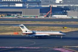 T.Sazenさんが、羽田空港で撮影したビスタジェット BD-700-1A10 Global 6000の航空フォト(写真)